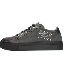 gaelle sneakers