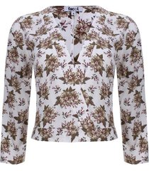 blusa escote floral color blanco, talla 10