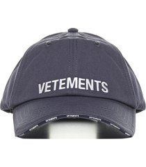vetements hat