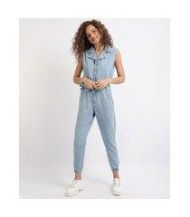 macacão jeans feminino jogger sem manga com faixa para amarrar azul claro