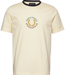 branded t-shirt t-shirts short-sleeved creme fred perry