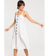 sukienka na szelkach z guzikami