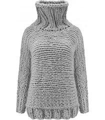 sweter z golfem z grubej wełny
