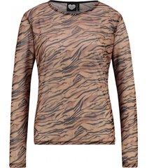 catwalk junkie t-shirt ls save the tiger bruin