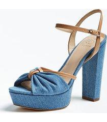 denimowe sandały model leviy