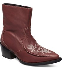 emeliagz boots ao19 shoes boots ankle boots ankle boots with heel röd gestuz