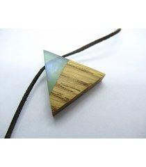 drewniany wisiorek trójkąt dąb+turkus