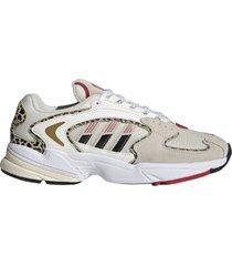 zapatilla beige adidas falcon 2000