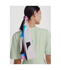 lenço com estampa geométrica