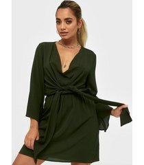 ax paris v neck long sleeve dress klänningar