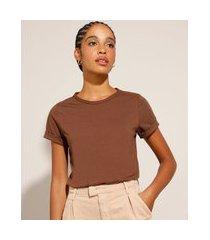 blusa básica com manga curta dobrada marrom