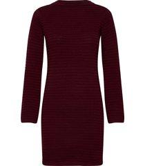 dress vilhelmina burgundy knälång klänning röd dedicated