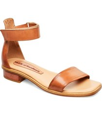 tindra shoes summer shoes flat sandals brun nude of scandinavia