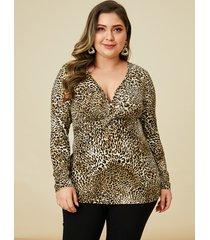 yoins plus camiseta de manga larga con cuello en v y estampado de leopardo