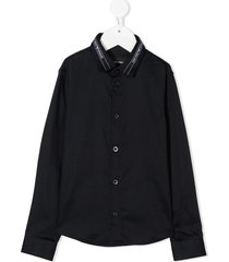 shirt with logo collar