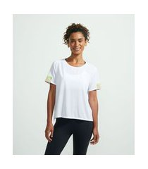 camiseta esportiva em poliamida com recortes contrastantes | get over | branco | p