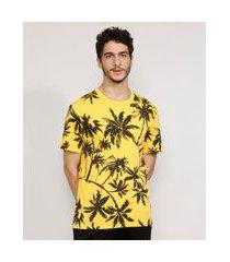 camiseta masculina estampada manga curta de coqueiros gola careca amarela
