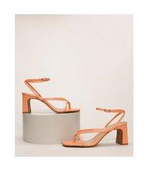 sandália feminina oneself bico quadrado salto médio reto laranja