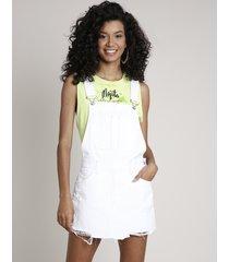 jardineira de sarja short saia feminina com bolsos barra desfiada branca