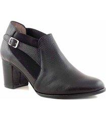 zapato negro briganti clásico