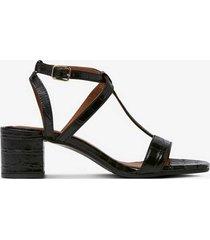 sandalett med krokoprägling