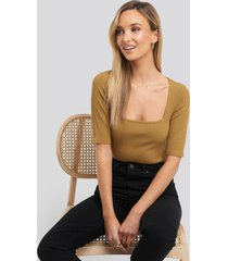 na-kd square neck ribbed body - brown,beige