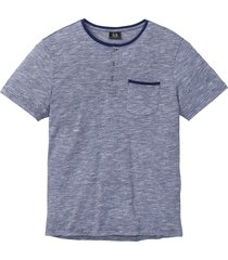 t-shirt med farfarskrage
