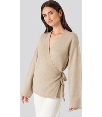 na-kd overlap wide sleeve knitted sweater - beige