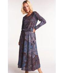 dzianinowa sukienka midi we wzory