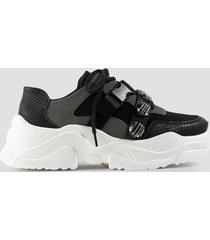 na-kd shoes gem trim chunky sneaker - black