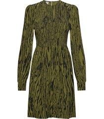 avaleigh jurk knielengte groen baum und pferdgarten