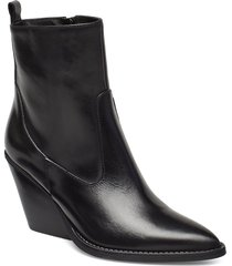 kim shoes boots ankle boots ankle boots with heel svart nude of scandinavia