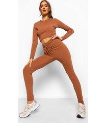 gekreukelde geribbelde crop top en geplooide leggings met v-taille, chocolate