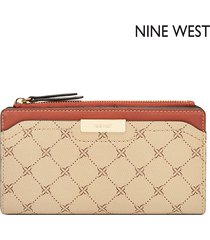 cartera nine west  kennedy slim zip organizer- beige