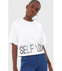 camiseta morena rosa self love branca
