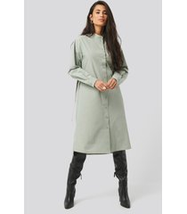 na-kd trend adjustable side strap shirt dress - green
