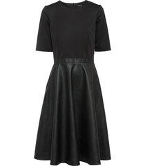 abito in similpelle a maniche corte (nero) - bodyflirt