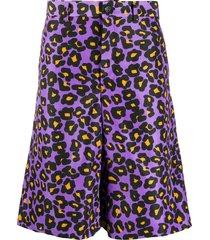 comme des garçons homme plus leopard print knee-length shorts - purple