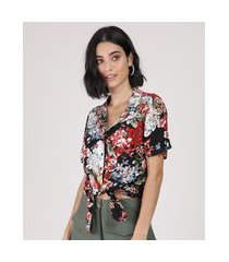 camisa feminina cropped estampada floral com nó manga curta preta