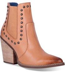 dingo women's stay sassy narrow bootie women's shoes