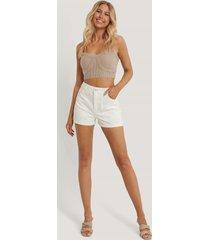 na-kd reborn ekologiska shorts med hög midja och fickdetalj - offwhite