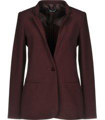 caractère suit jackets