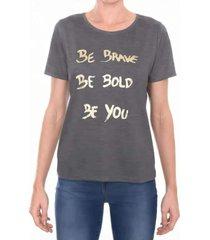 t-shirt comfort m/c gola c com frase em foil m.officer cinza - cinza - feminino - dafiti