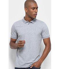 camisa polo em piquet desfibrado reserva masculina