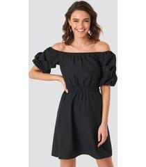 na-kd boho off shoulder puff sleeve a-line dress - black