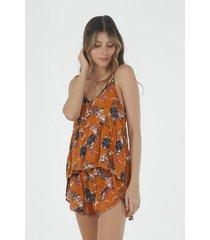 conjunto pijama para mujer tennis, con estampado de flores
