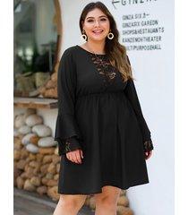 plus tamaño inserto de encaje negro redondo cuello vestido