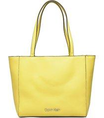 ck must shopper sm bags top handle bags geel calvin klein