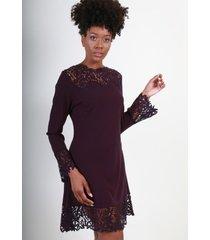 vestido con encaje violeta night concept