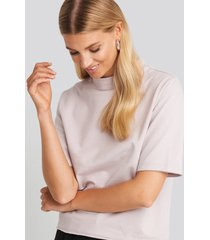 na-kd basic high neck short sleeve t-shirt - purple